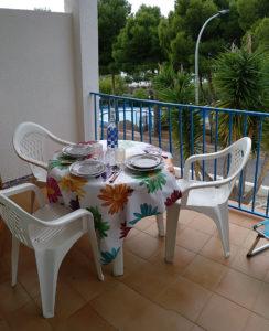 locajalbaUne terrasse pour faire les repas